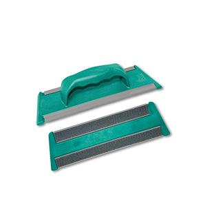 Attrezzo verde con velcro ed impugnatura con manico